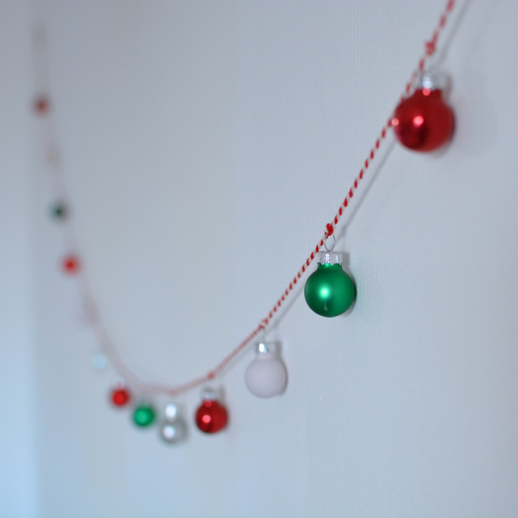 Bauble garland