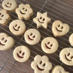 Smiley jammy dodgers