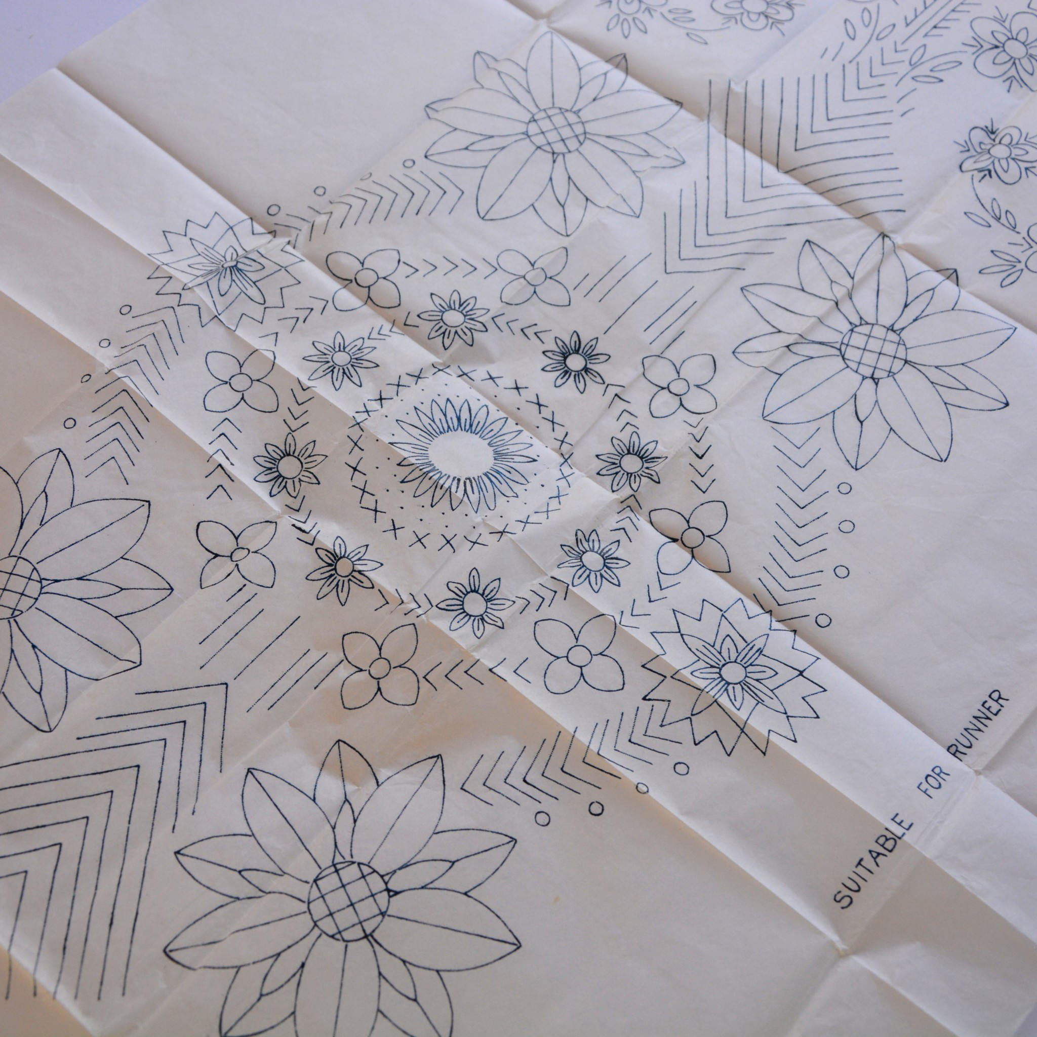 Vintage table runner transfer