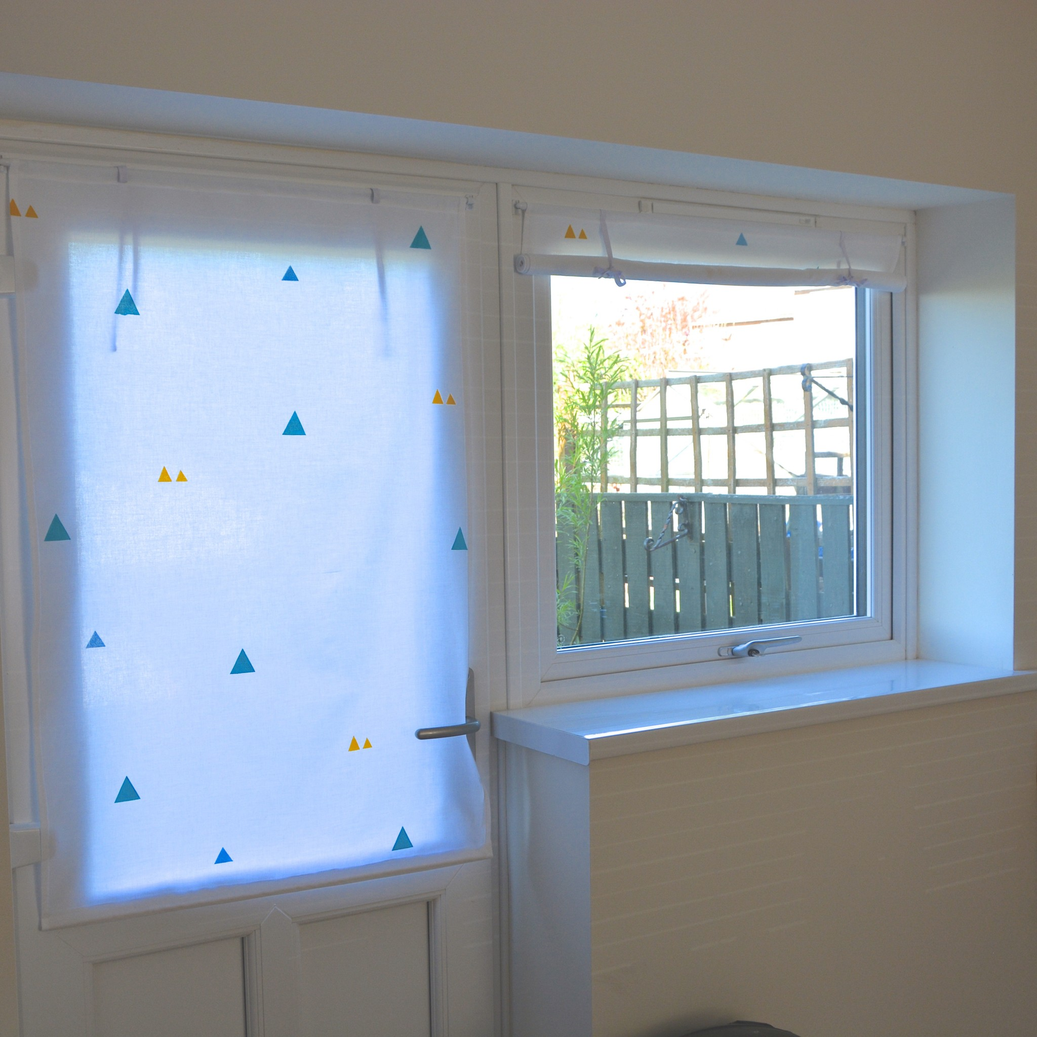 Fabric roll-up blinds | Hello! Hooray!