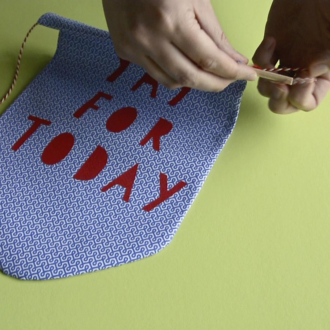 Fabric banner tutorial | Hello! Hooray!