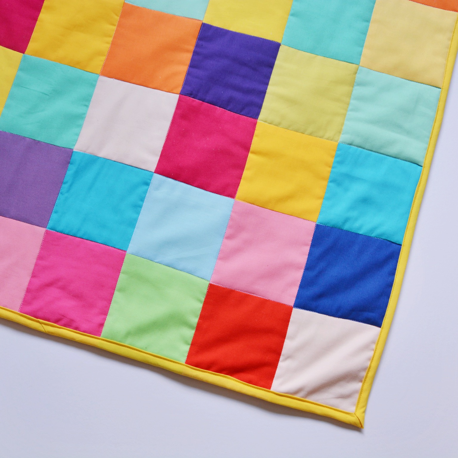 Little One's patchwork quilt | Hello! Hooray!