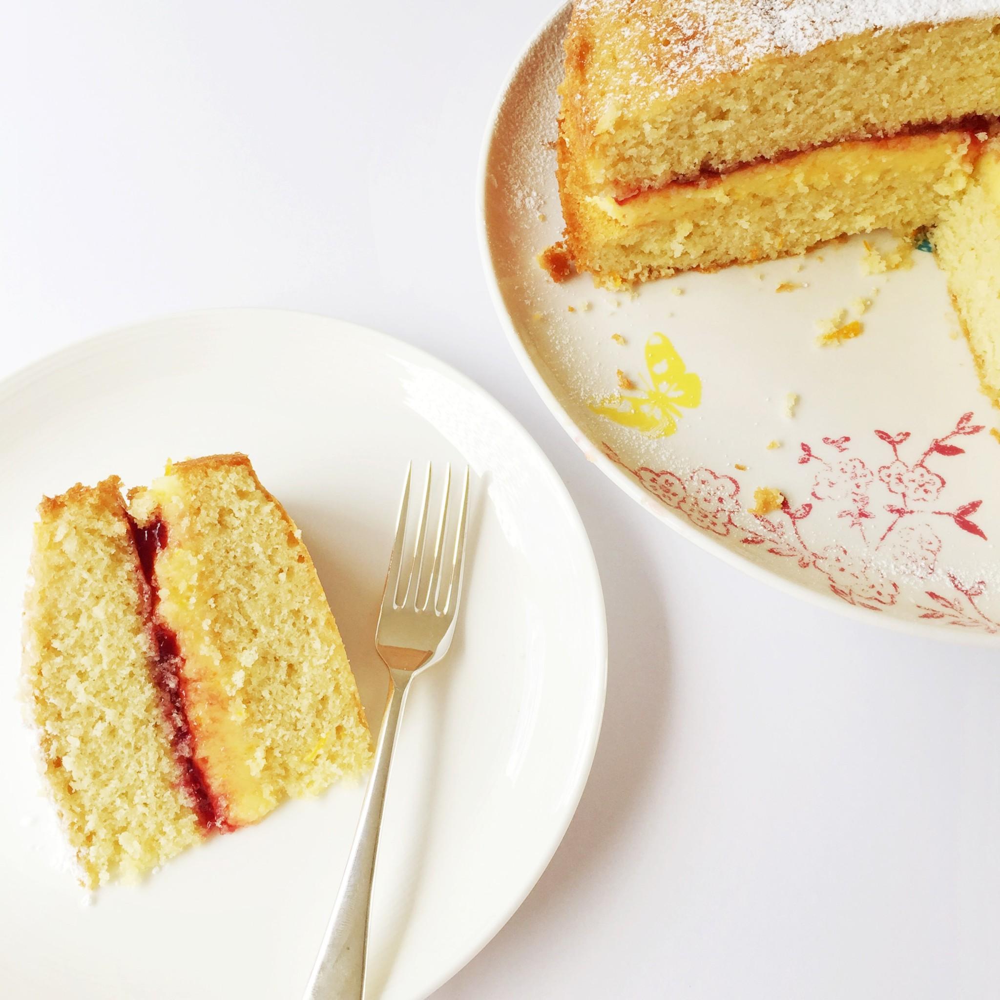 Orange and almond Victoria sponge cake | Hello! Hooray!