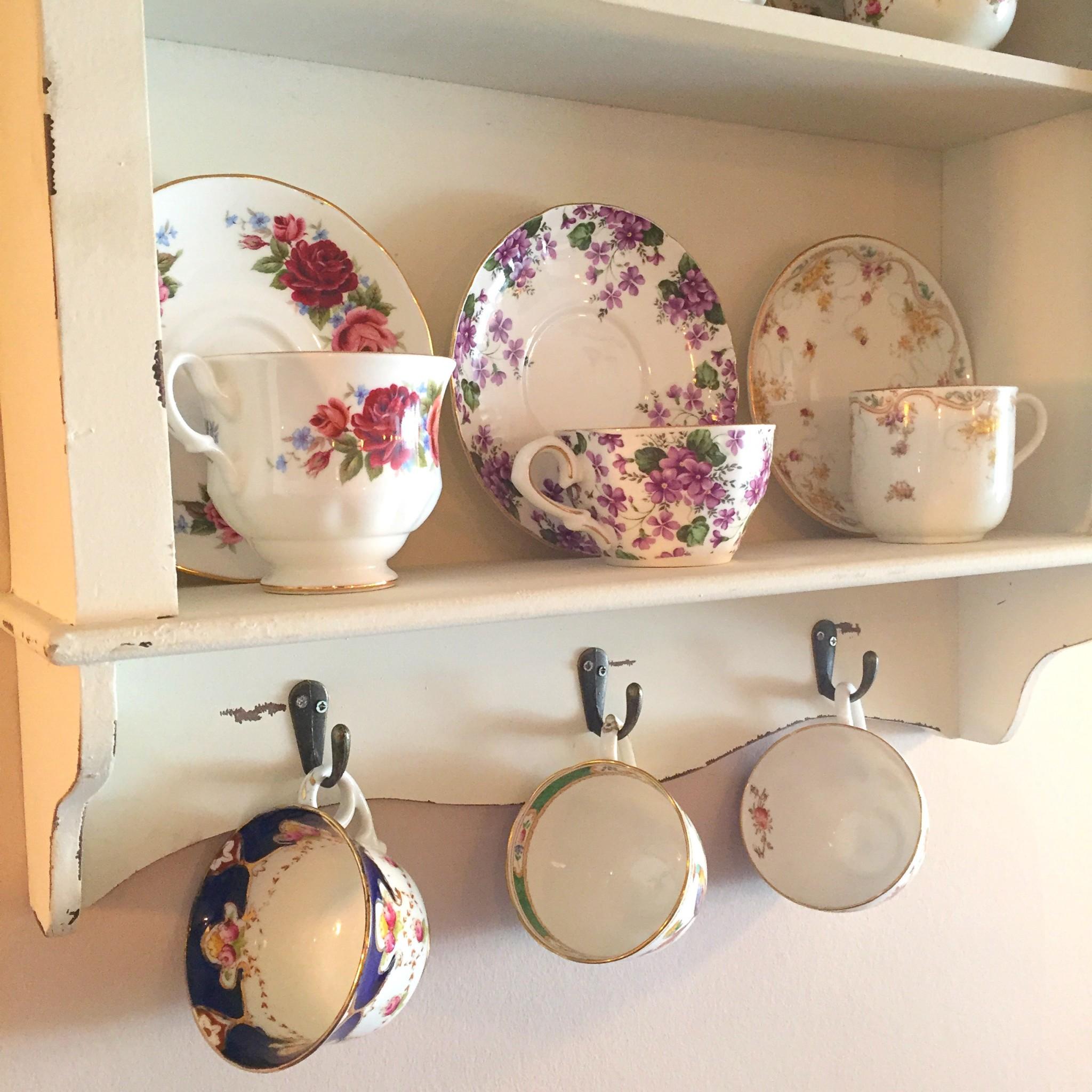 Violets vintage cups   Hello! Hooray!
