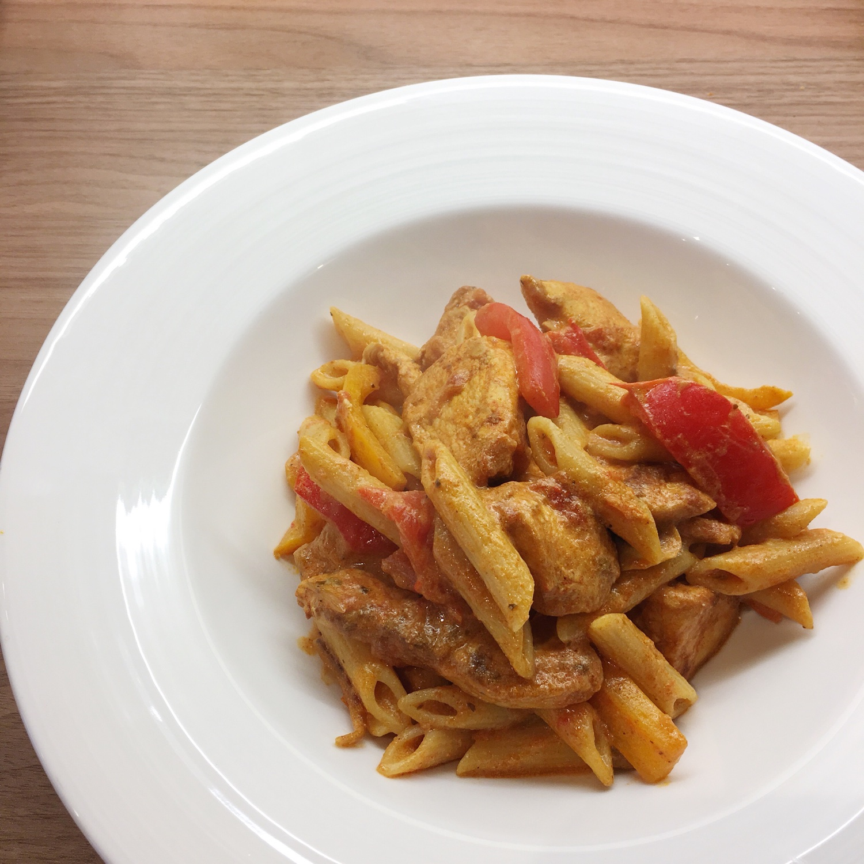 Chicken fajita pasta | Hello! Hooray!