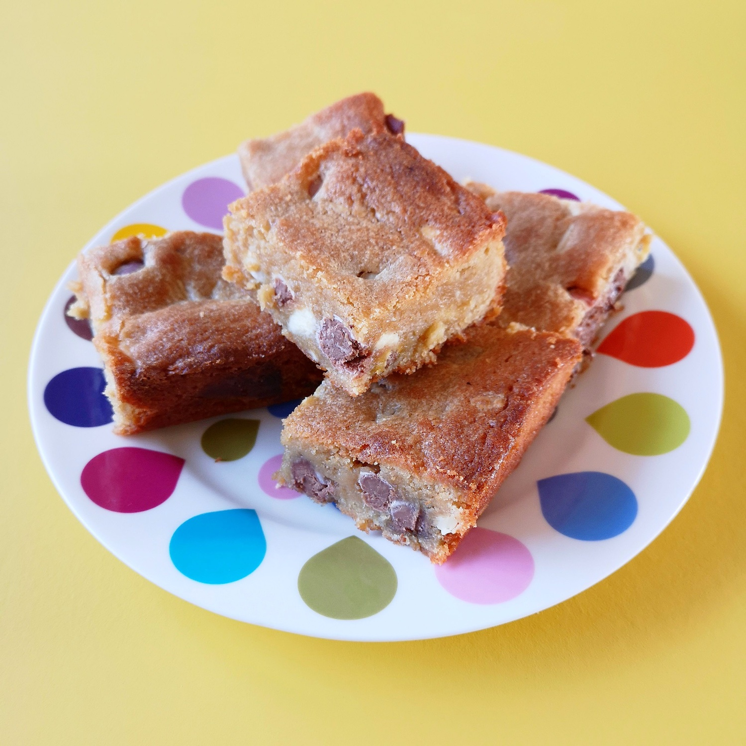 White chocolate and mini egg blondies | Hello! Hooray!