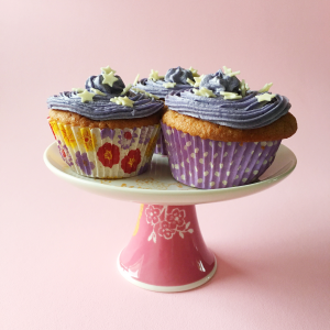 Cherry and almond cupcakes | Hello! Hooray!