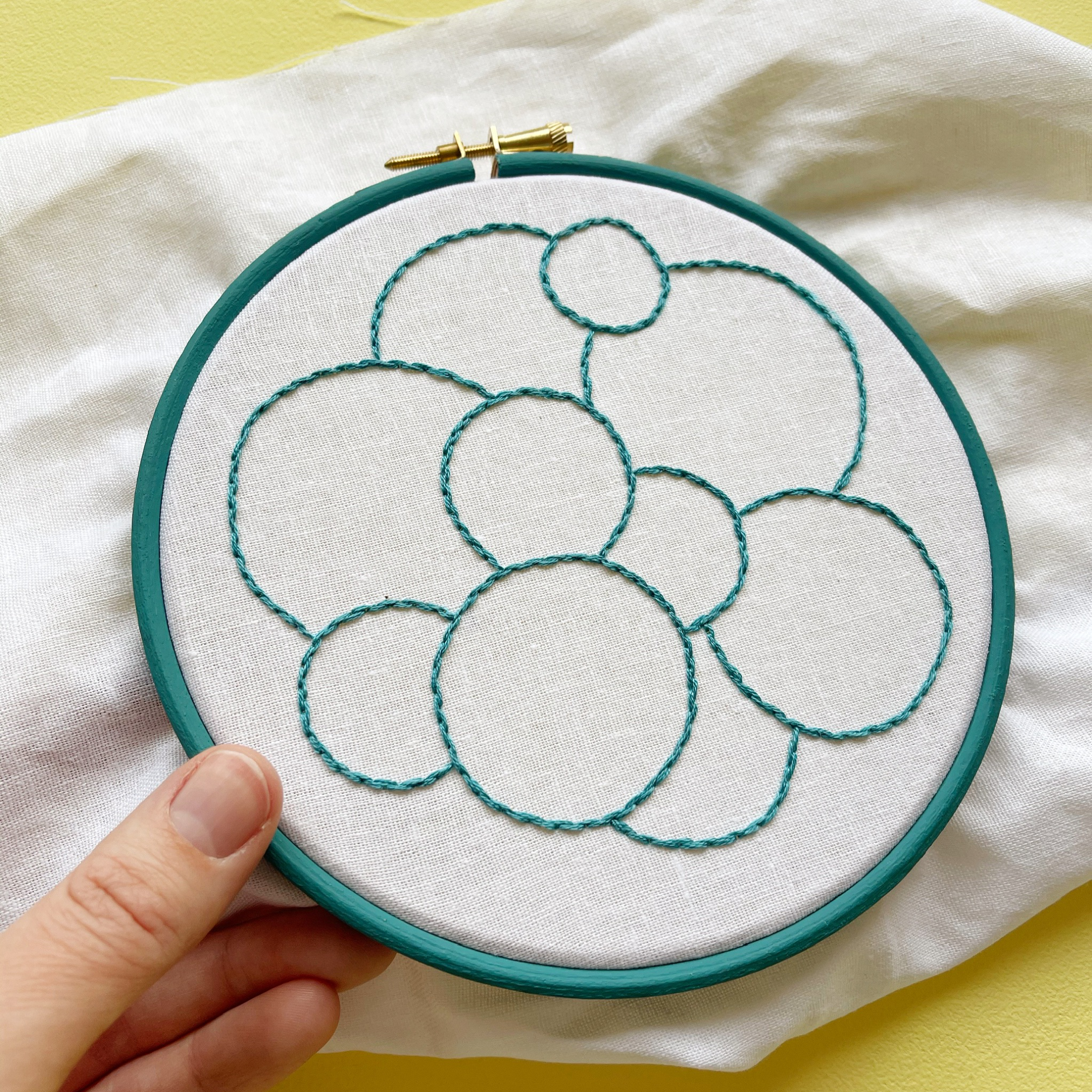 How to stitch a cable stitch knot sampler hoop | Hello! Hooray!